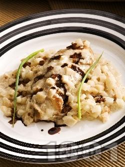 Варено пилешко филе със сметана и целина - снимка на рецептата